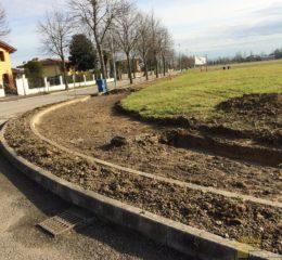 Lottizzazione con posa betonelle e varie fondazioni di recinzione Foto_015